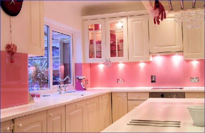 کاشی آشپزخانه فانتزی صورتی